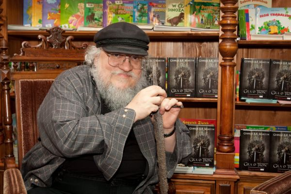 Game of Thrones - GRRM Answers 10 Questions from Fans On Reddit